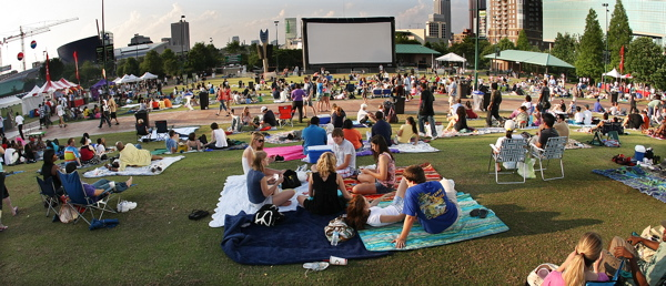 inflatable screen on the Green in Atlanta: AIRSCREEN does it again!