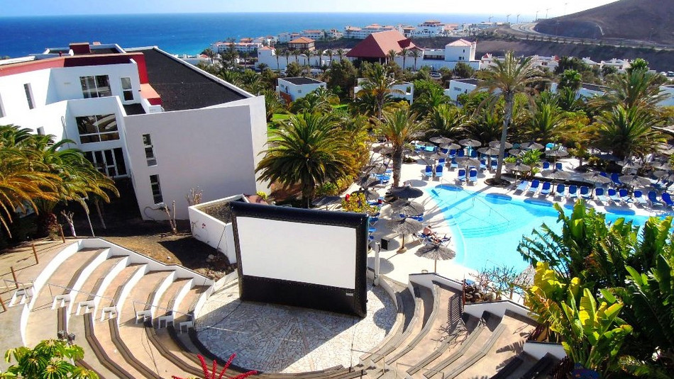 AIRSCREEN airtight 20ft x 11.25ft (6.10m x 3.43m) in a hotel & resort in Fuerteventura